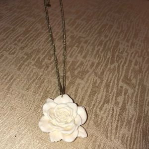 Claire's White Flower Necklace